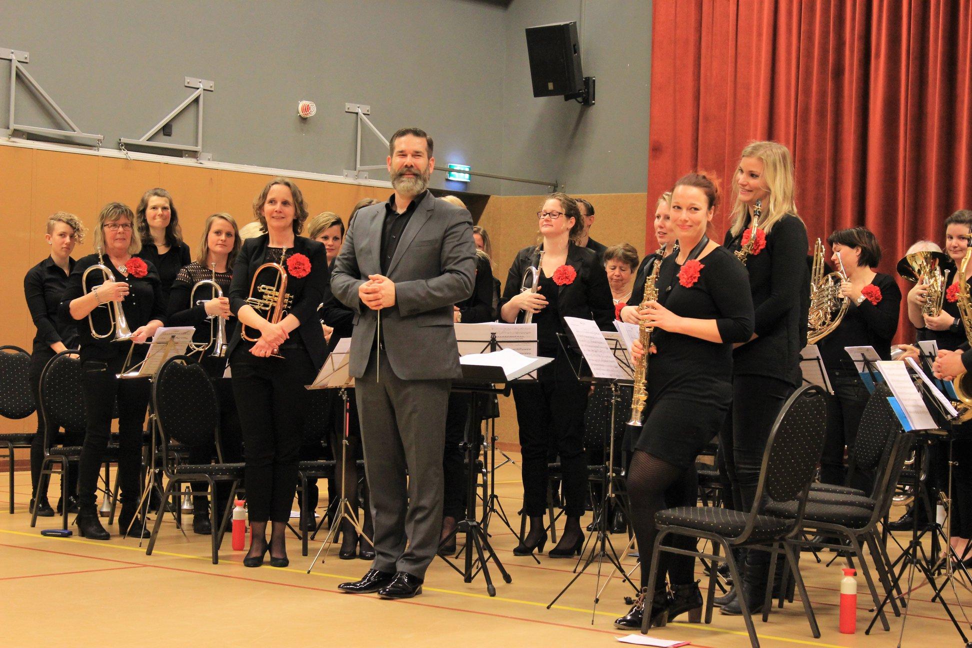 Anne van den Berg nieuwe dirigent fanfare Wilhelmina Easterein